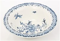 Lot 20 - 18th century Worcester blue and white patty...