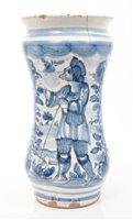 Lot 53 - 17th / 18th century Italian albarello blue and...