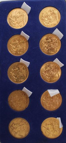 Lot 1-G.B. gold Sovereigns - Victoria J.H. 1888M. VG,...