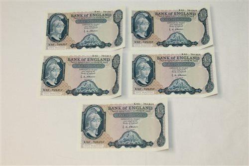 Lot 17 - Banknotes - G.B. QEII O'Brien. Series 'B'...