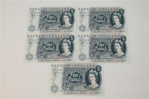 Lot 23 - Banknotes - G.B. QEII. Series 'C' Hollom blue...