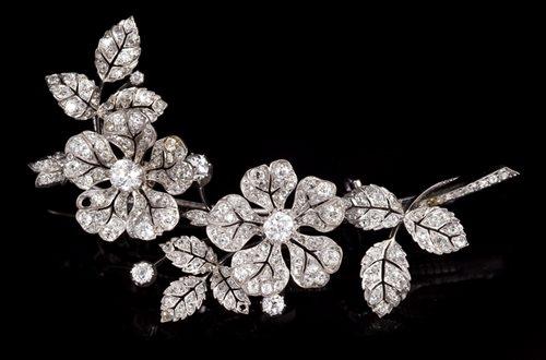 Lot 605-Fine Victorian diamond 'en tremblant' double...