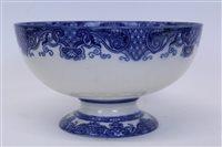 Lot 2019 - Royal Doulton Oyama pattern blue and white...