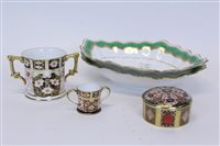 Lot 2029 - Royal Crown Derby Old Imari pot and cover, two-...