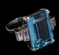 471 - An Art Deco style Aquamarine and diamond...