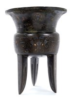 Lot 732 - Good Chinese bronze, silver and gold inlaid...