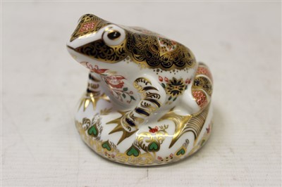Lot 2039-Royal Crown Derby limited edition paperweight – Old Imari Frog