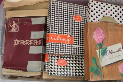 Lot 3073-Quantity of Vintage Stockings