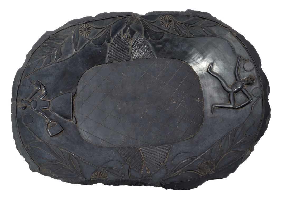 810 - Rare 19th century Haida argillite platter