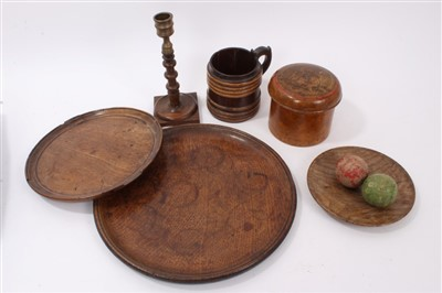 Lot 848 - Group of treen