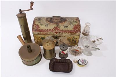 Lot 858 - 18th century toleware tea caddy