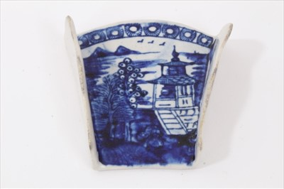 Lot 13-18th century Derby asparagus server, decorated in underglaze blue with a Pagoda pattern, circa 1770, 7.5cm length