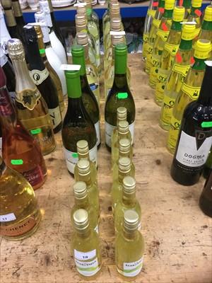 Lot 18-White wine- twenty three bottles to include Echo Falls 187ml bottles (23)