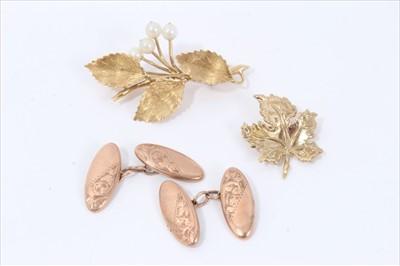Lot 17-18ct gold leaf spray brooch set with four cultured pearls, 9ct gold leaf brooch and pair 9ct gold cufflinks