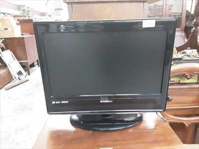 "Lot 7-E-motion 19"" LCD Television"