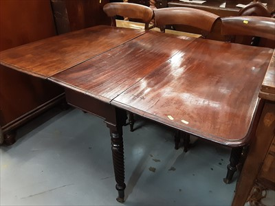 Lot 9-Early Victorian mahogany drop leaf dining table