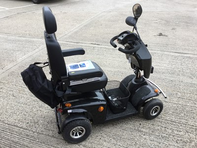 Lot 4-Mayfair 8 Deluxe Freerider Mobility scooter with charger and key