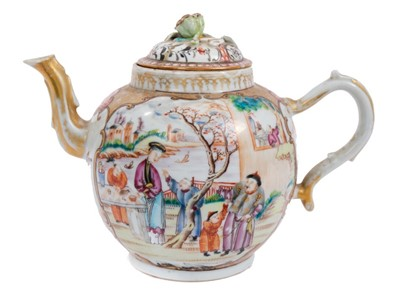 Lot 3 - 18th century Chinese teapot and cover of large size