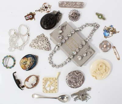 Lot 15-Silver brooches, cameo brooch, Edwardian 9ct gold pendant, other jewellery and bijouterie