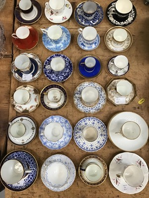 Lot 14-Fine quantity of teacups and saucers to include Royal Worcester, Aynsely, Wedgwood, Royal Crown Derby, Coalport and others