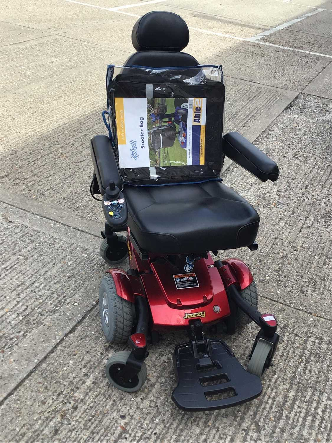 Lot 2-Jazzy Select 6 mobility scooter with charger