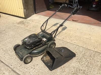 Lot 9-Hayter Ranger Pro 53 petrol lawnmower with grass box