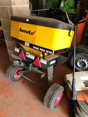 Lot 15-SnowEx Bulk Pro 1575 trailed salt spreader / gritter