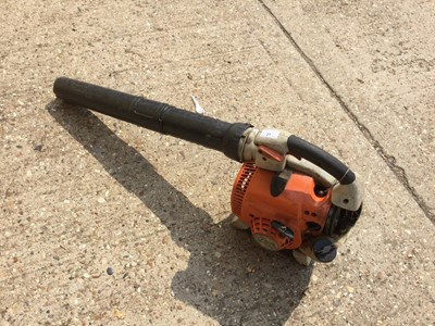 Lot 21-STIHL BG86C Petrol leaf blower