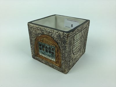 Lot 5-Cube shaped troika vase with Cornwall LG marked to base, 8.5cm high