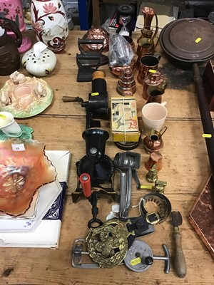 Lot 16-Group of kitchenalia to include copper jugs, jelly moulds, mincers and other items