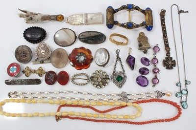 Lot 12-Group of antique and vintage jewellery to include silver and paste set pendant,antique coral bead necklace, cultured pearl necklace and other jewellery