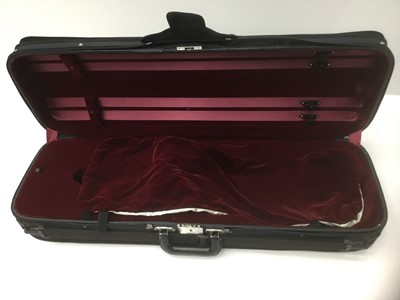 Lot 18-Good quality fitted violin case