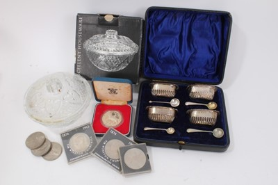 Lot 18 - Set four silver salts in fitted case, 1977 Silver Jubilee coin, other coins and glass sugar bowl in box