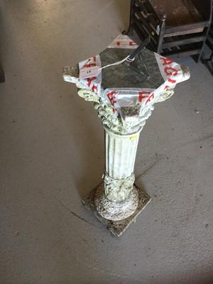 Lot 61 - Concrete sundial