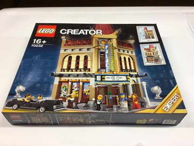 Lot 18 - Lego Creator Expert 10232 Palace Cinema, with mini figs and instructions, Boxed