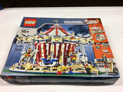 Lot 40 - Lego Building 10190 Grand Carousel (Orignal), with instructions, Boxed