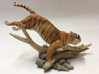 Lot 1 - Border Fine Arts limited edition model Bengal Tiger, No. 272 of 750 by R T Roberts