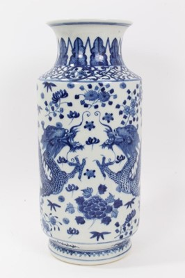 Lot 53 - Large Chinese blue and white vase