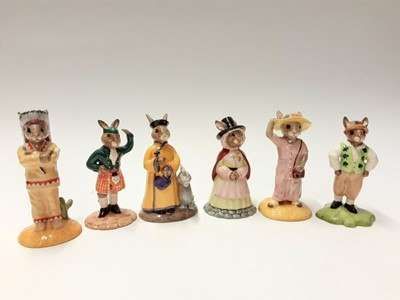 Lot 110 - Royal Doulton Bunnykins Limited Edition Indian DB202 1203/2500, Welshlady DB172 1044/2500, Scotsman DB180 1541/2500, Mandarin DB252 736/2500, Irishman DB178 1317/2500 & Collector's Club Sightseer D...