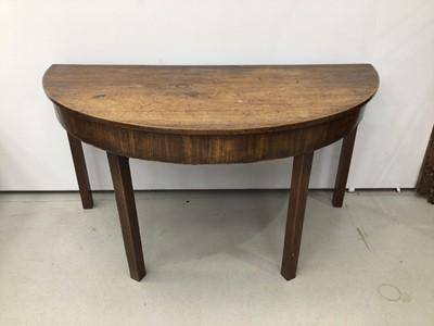 Lot 101 - Georgian mahogany D-end table