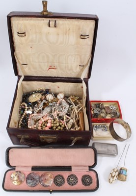 Lot 46 - Victorian leather jewellery box with contents