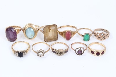 Lot 12 - Eleven gold and yellow metal gem set dress rings
