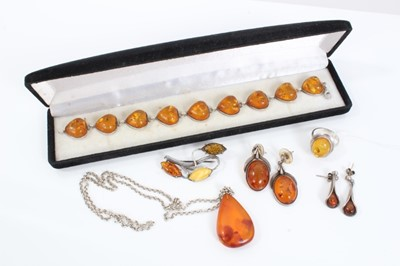 Lot 16 - Group silver mounted amber jewellery