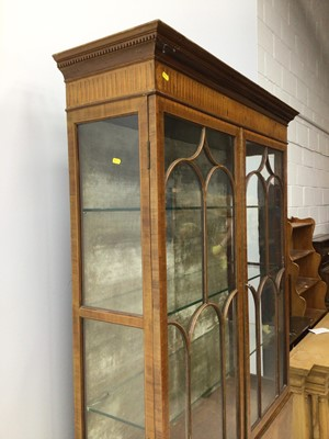 Lot 7 - Good quality Edwardian inlaid mahogany display cabinet
