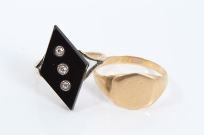 Lot 6 - 18ct gold diamond set black onyx plaque ring and 18ct gold signet ring