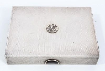 Lot 63 - Good quality 1930s Mappin & Webb silver compact