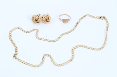 Lot 54 - 9ct gold curb link chain, 9ct gold signet ring and pair 9ct gold knot earrings