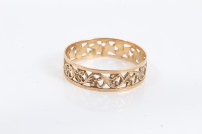 Lot 70 - Continental 14ct gold wedding ring with pierced design, size P