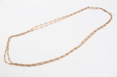 Lot 75 - Edwardian yellow metal two strand chain