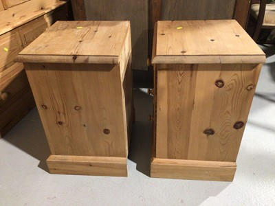 Lot 6 - Pair of pine three drawer bedside chests and a pine dressing table mirror (3)